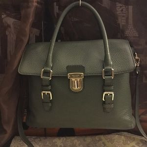 Sold..... Kate spade hand bag